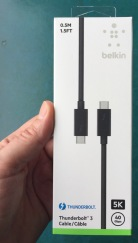 Thunderbolt_3_cable_ 1
