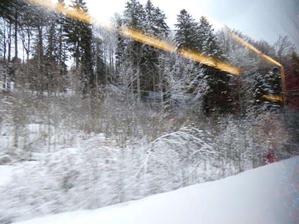 Toi_dans_le_reflet_de_la_vitre_du_train.jpg